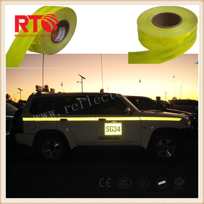 Fluorescent yellow reflective sheeting